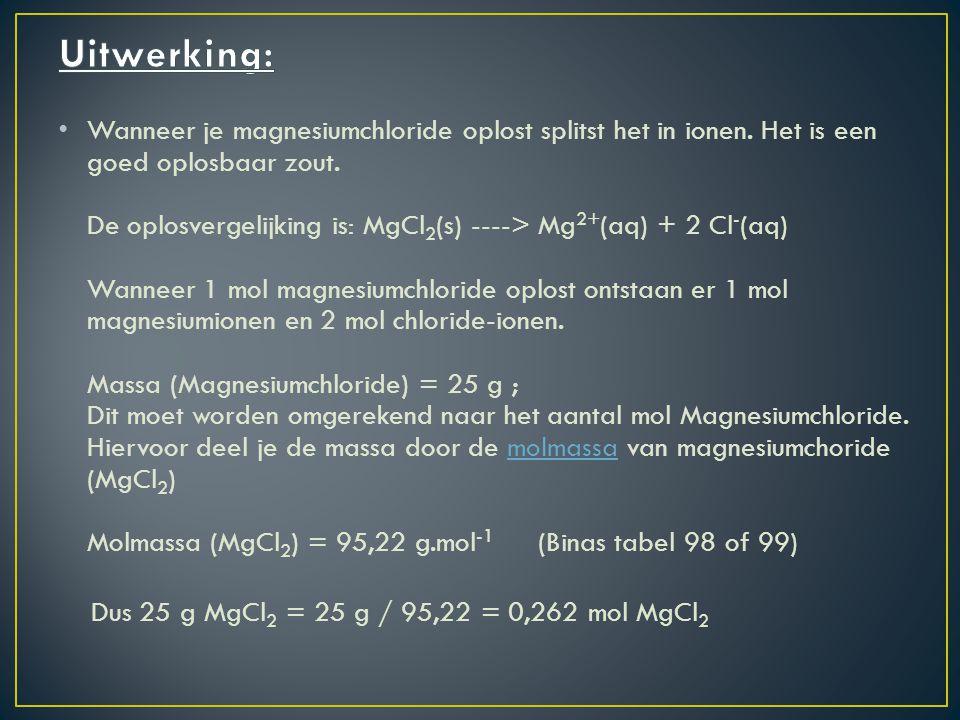 Uit de reactievergelijking leidt je de molverhouding af.