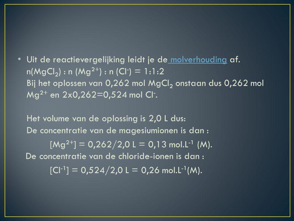 Aan 50,0 mL 0,10 M suikeroplossing voeg je 250 mL water toe.