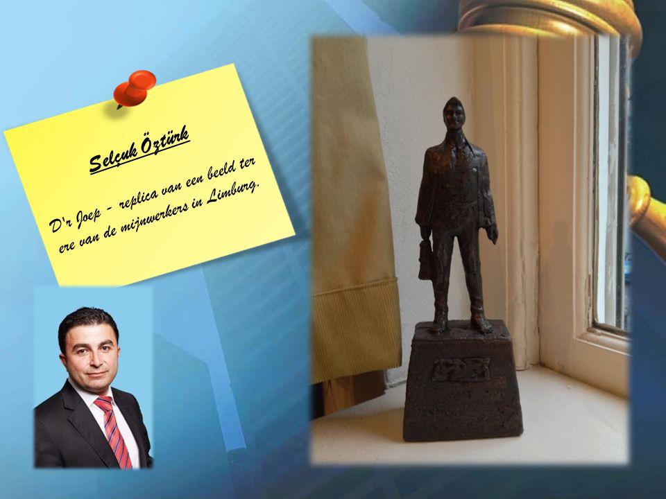 Selçuk Öztürk D r Joep - replica van een beeld ter ere van de mijnwerkers in Limburg.