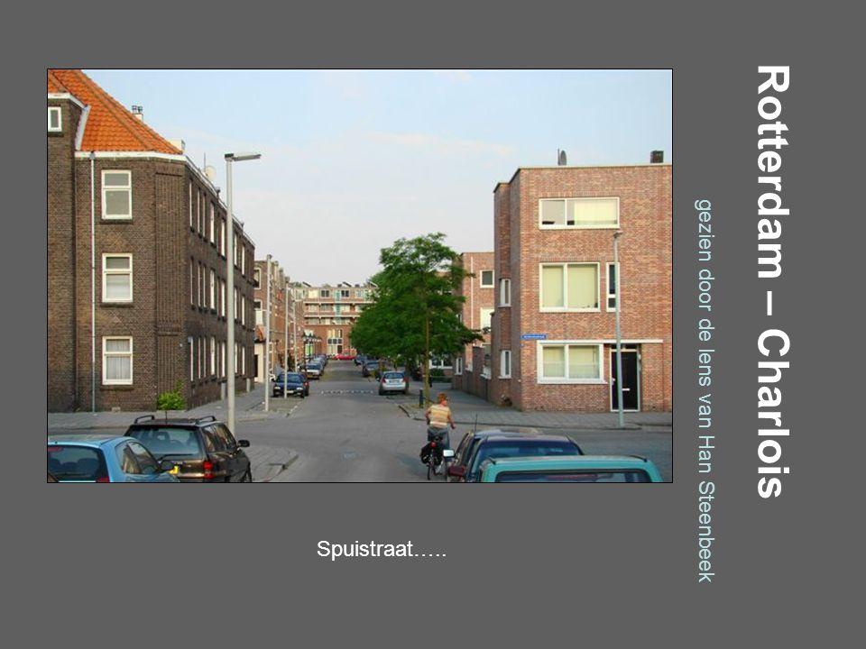 Rotterdam – Charlois gezien door de lens van Han Steenbeek Smirnoffweg…..