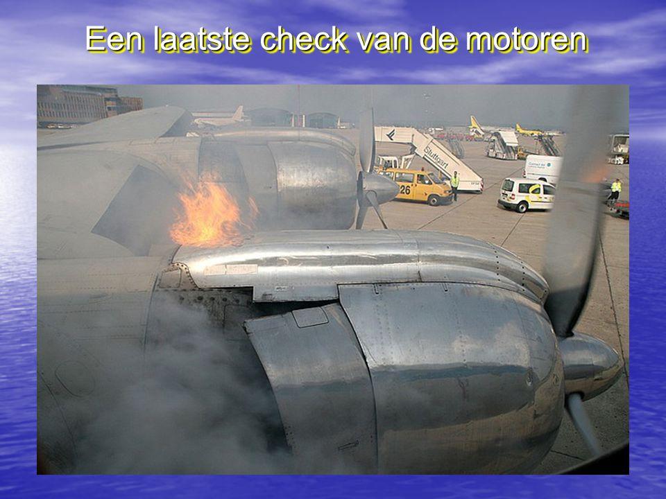 Bij de landing worden de motoren wel eens heet ! Bij de landing worden de motoren wel eens heet !