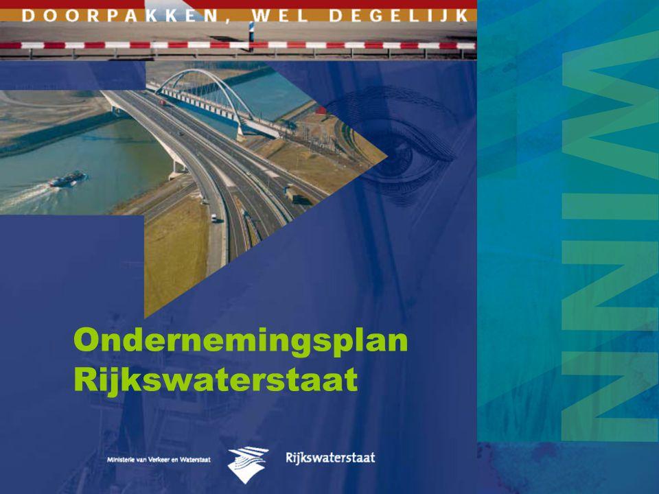 Missie Rijkswaterstaat …Rijkswaterstaat is de uitvoeringsorganisatie van het Ministerie van Verkeer en Waterstaat die in opdracht van de Minister en de staatssecretaris van VenW de infrastructurele hoofdnetwerken in Nederland aanlegt, beheert en ontwikkelt.