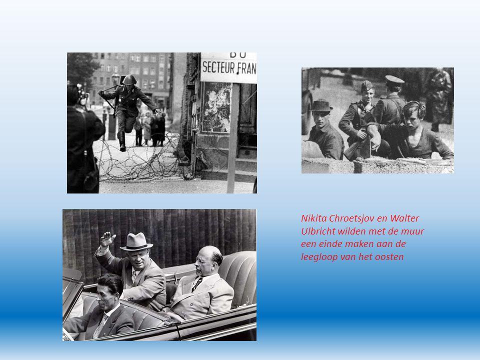 West-Duitsland in de jaren 1950 Adenauer eerste bondskanselier (premier) van de BRD Economisch herstel Van totale verwoesting naar industriële grootmacht Integratie Duitsland in Europa en NAVO Negatief tegenover Oost-Europa Geen erkenning grens DDR Geen erkenning afstaan Duitse gebieden aan Polen (zie kaart) Adenauer en Erhard