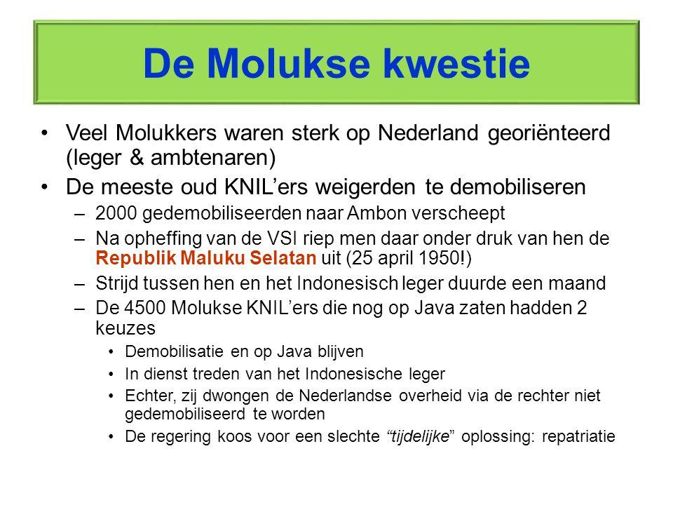RMS vlag Registratie van Molukse militairen en hun gezinnen voor de inscheping naar Nederland [De afbeelding is tevens een link]