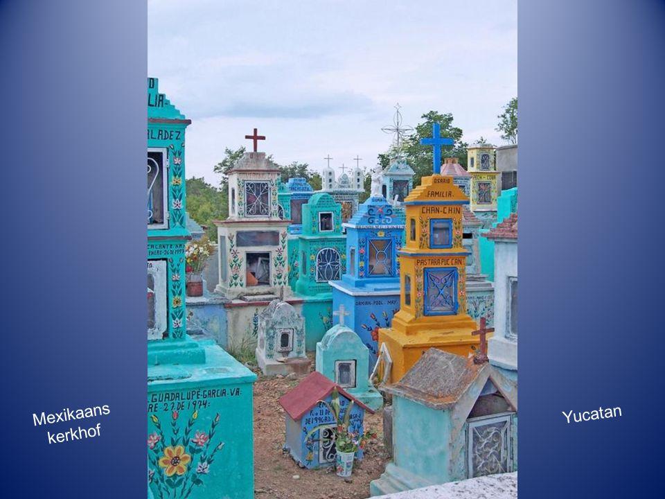 Mexikaans kerkhof Yucatan