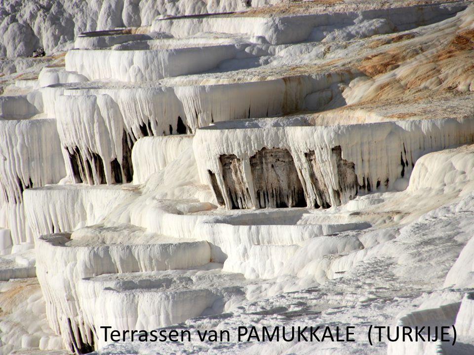Terrassen van PAMUKKALE (TURKIJE)