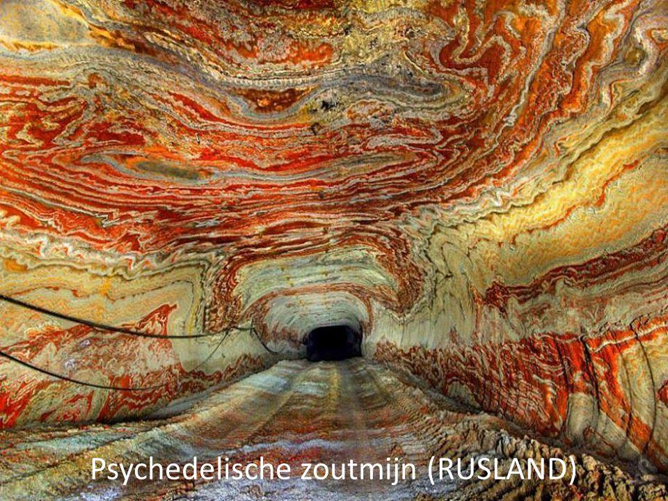 Psychedelische zoutmijn (RUSLAND)