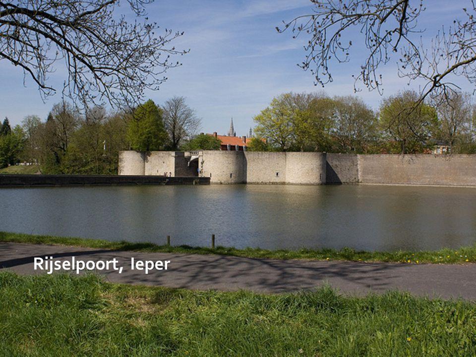 Lakenhalle, Ieper