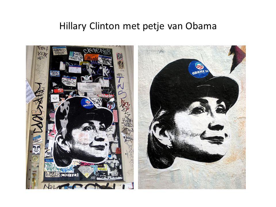 Hillary Clinton met petje van Obama