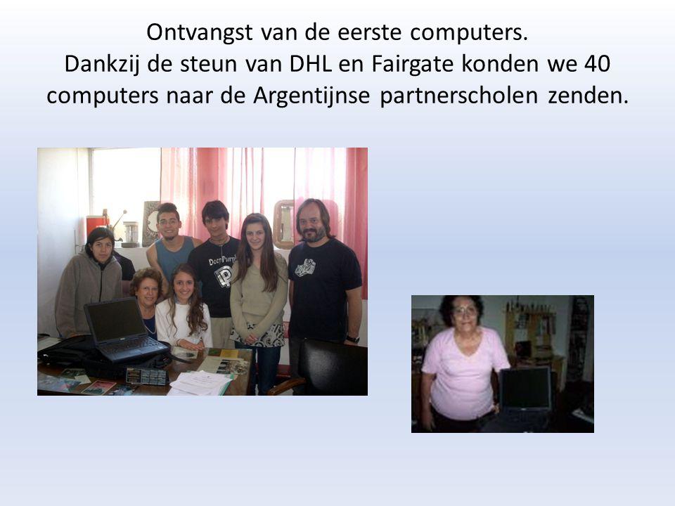 Ontvangst van de eerste computers. Dankzij de steun van DHL en Fairgate konden we 40 computers naar de Argentijnse partnerscholen zenden.