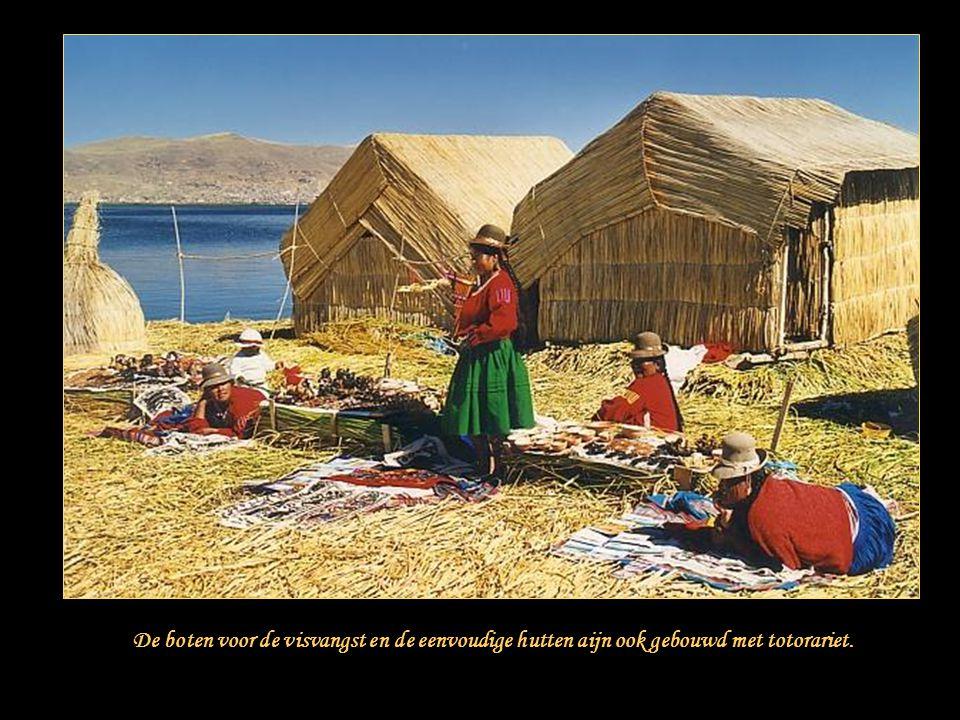De drijvende eilanden bestaan uit metersdikke kruisgewijs aangebrachte lagen totorariet.