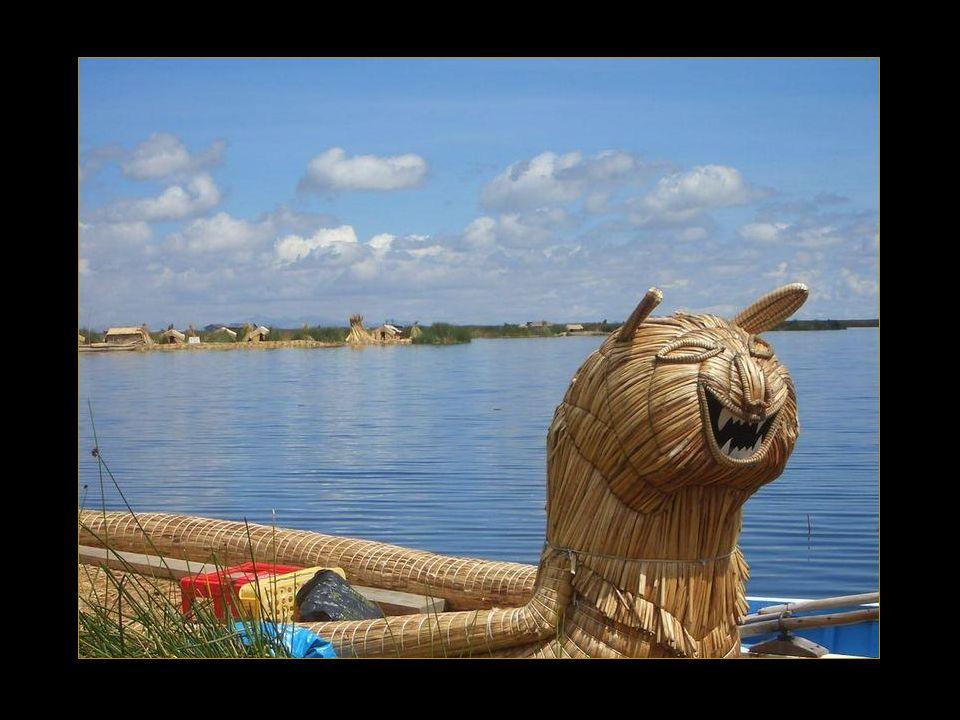 Boten van totorariet voor de visvangst.