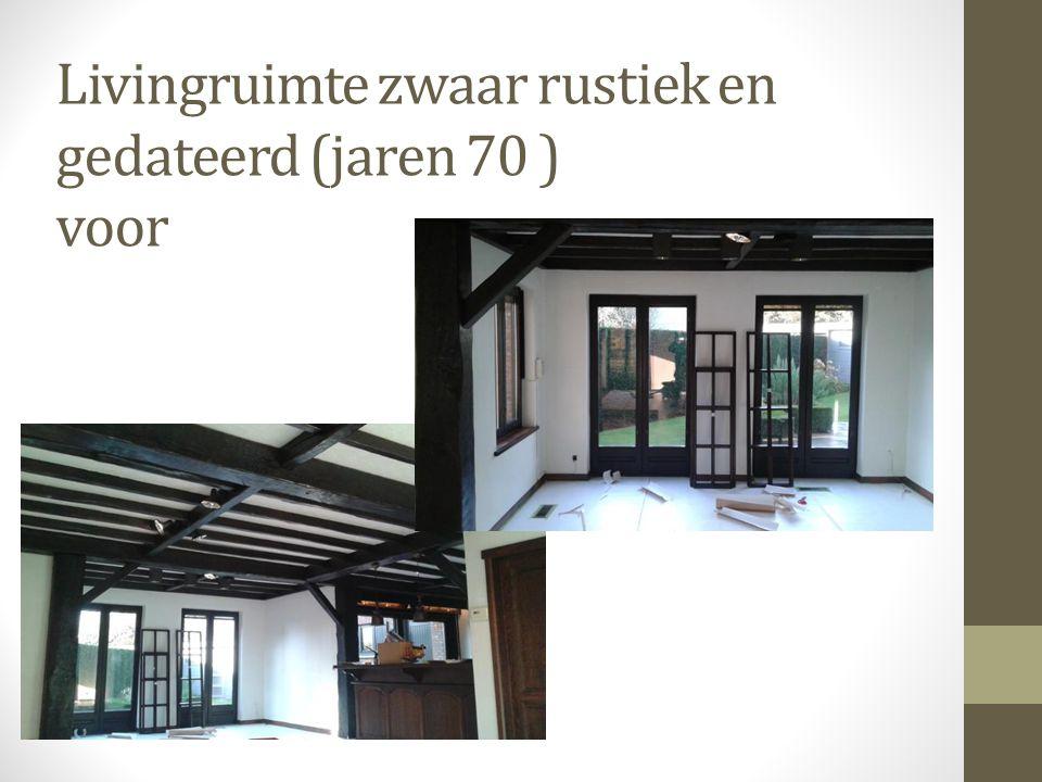 Livingruimte zwaar rustiek en gedateerd (jaren 70 ) voor