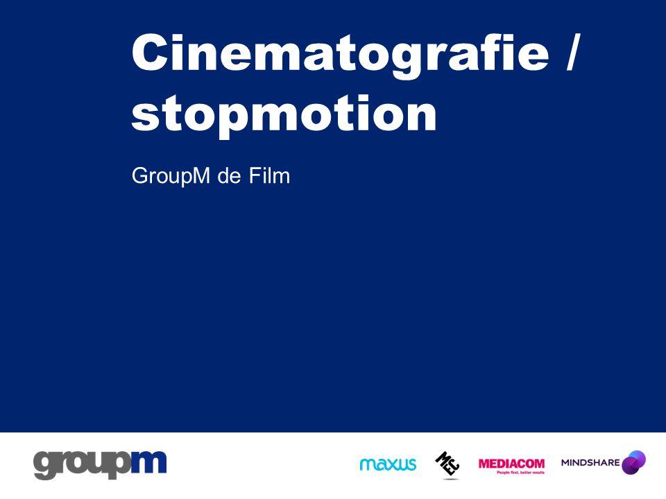 Wat is een stopmotion –Voorloper van de film –Zoetrope: http://www.youtube.com/watch?v=5kh DGKGv088 http://www.youtube.com/watch?v=5kh DGKGv088 –Reeks foto's –Film is een aantal foto's per seconde die een vloeiend beeld creeeren.