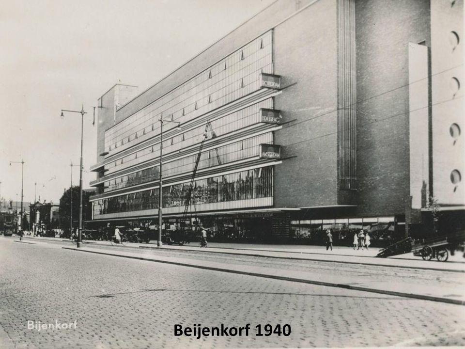 Luchtfoto omgeving Coolsingel net voor het bombardement in 1940