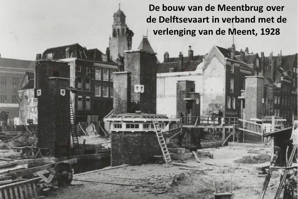 Delftsepoort met Delftsevaart