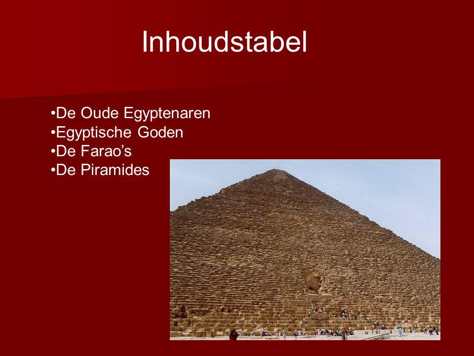 DE OUDE EGYPTENAREN De oude Egyptenaren leefden ongeveer 4000 jaar geleden aan de oevers van de Nijl.