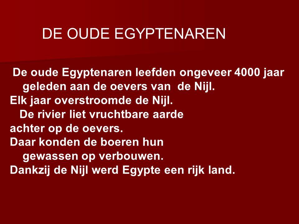 Egyptische Goden Anoekis is de Nijlgodin Anoekis is de Nijlgodin Aton was in een periode de God van alles Aton was in een periode de God van alles Ammoet was de Godin van de onderwereld Ammoet was de Godin van de onderwereld Amon-Re was de God van Thebe Amon-Re was de God van Thebe Anubis was de god van het mummificeren Anubis was de god van het mummificeren Maar er zijn er nog veel meer !!.