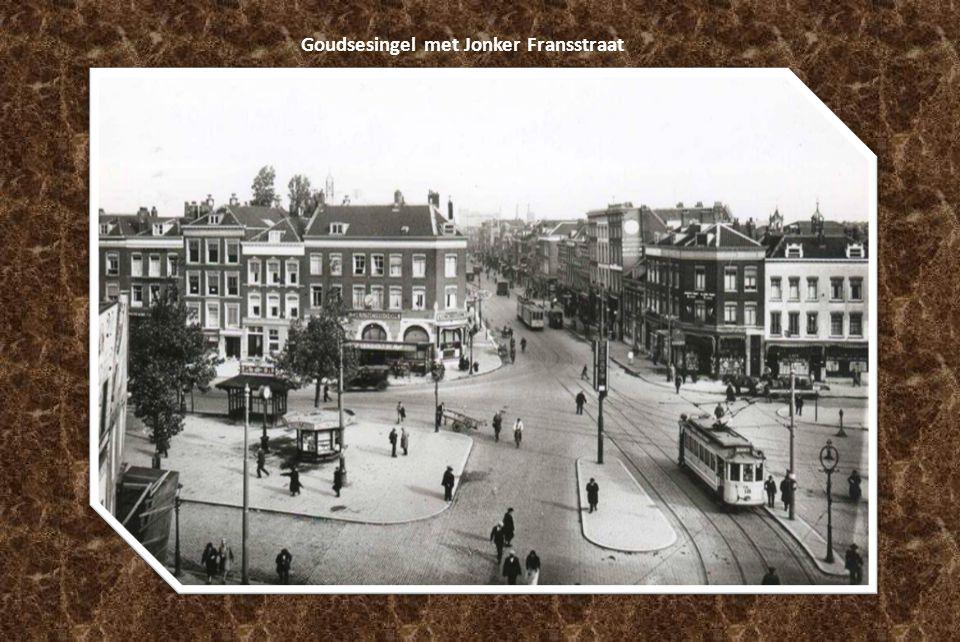 De Marinierskazerne aan het Oostplein in 1923