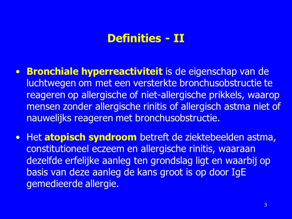 Effect van verschillende middelen op symptomen van allergische rinitis – FK 2015 Effectiviteit opInvloed op de symptomen acute symptomen chronische symptomen jeukafscheiding congestie = verstopping antihistami- nica ++/–++++++/– decongestiva+––++++ lokale steroïden –++++ ++ orale steroïden –++++ +++ goed; ++ redelijk; + matig; ± twijfelachtig; - geen 24