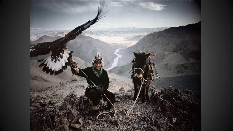De Fotograaf Edited by Fred Fotograaf Jimmy Nelson is van plan om de beschavingen bij te houden die snel aan het verdwijnen zijn.
