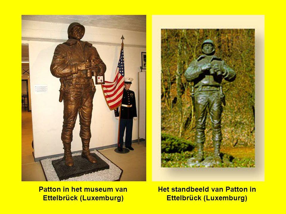 Overleden na een auto-ongeluk in 1945 werd generaal Patton midden zijn soldaten begraven op het kerkhof van HAMM bij Luxemburg.