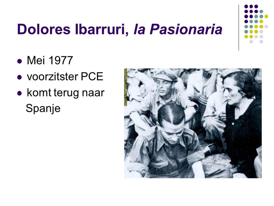 Dolores Ibarruri, la Pasionaria Mei 1977 voorzitster PCE komt terug naar Spanje