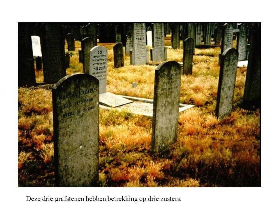 Deze drie grafstenen hebben betrekking op drie zusters.