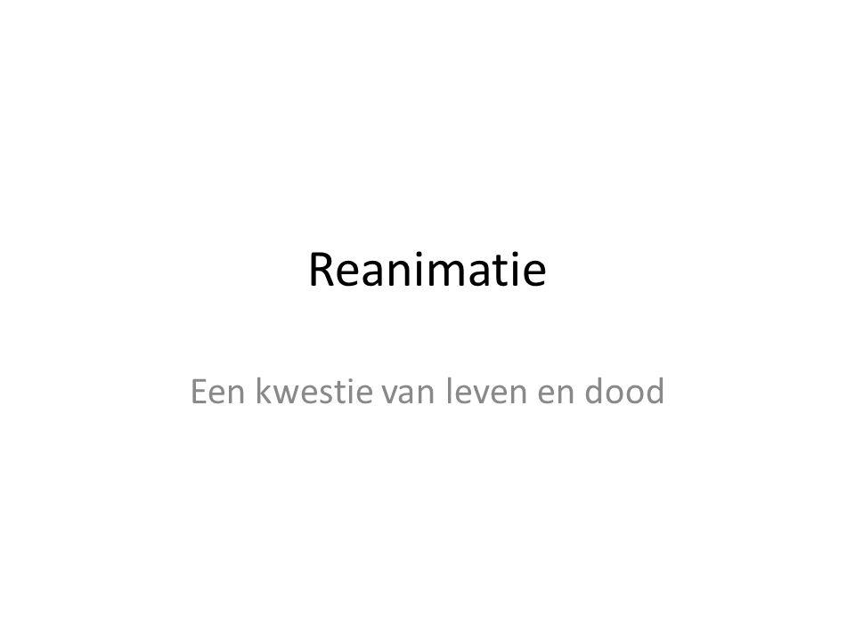 Reanimatie 2007 Reanimeren is het overnemen van de ademhaling en vooral de bloedsomloop indien er sprake is van een hartstilstand bij een slachtoffer.