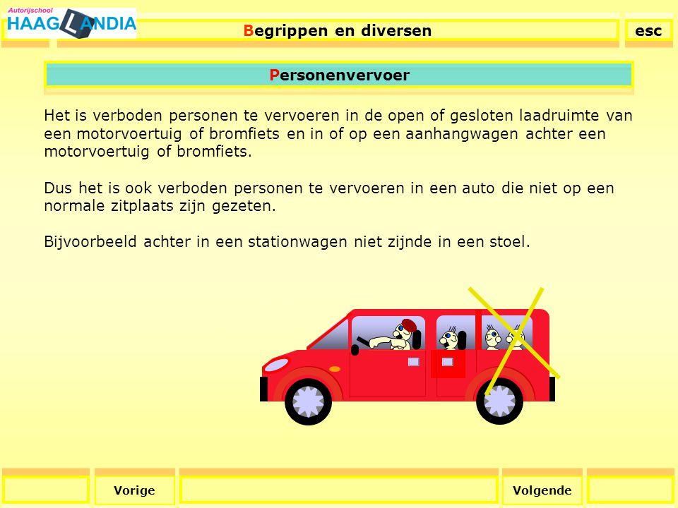 27 Begrippen en diversen esc Volgende Hoofdsteunen De hoofdsteun in uw auto is het veiligst afgesteld als de bovenzijde van de hoofdsteun gelijk staat met de bovenzijde van uw hoofd.