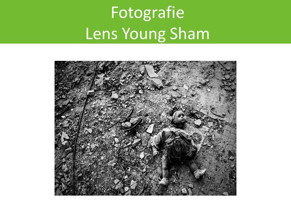 Fotografie Lens Young Sham
