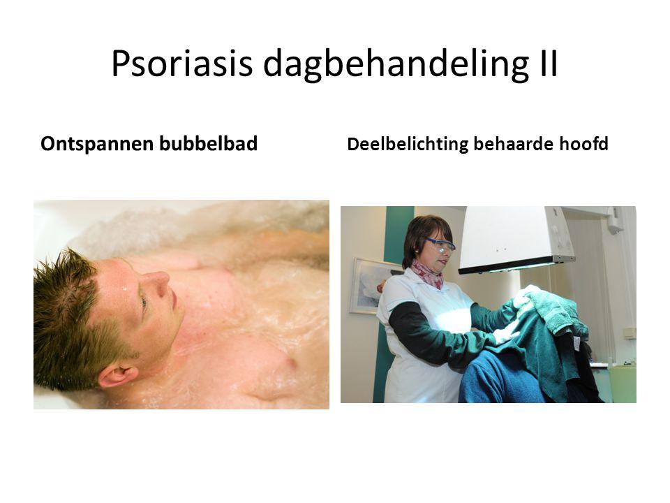 Psoriasis dagbehandeling II Ontspannen bubbelbad Deelbelichting behaarde hoofd
