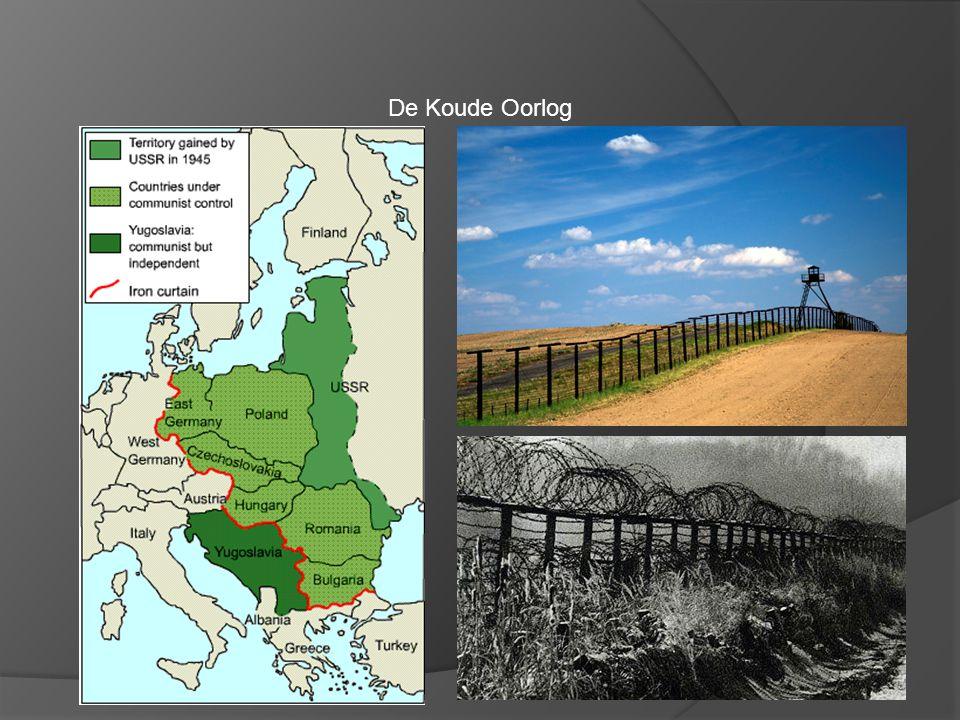 De Koude Oorlog Nikita Chroesjtsjov (1894-1971) Leider Sovjet Unie (1953-1964) Maakte einde aan Stalin cultus Buitenlandse politiek; vreedzame co-existentie