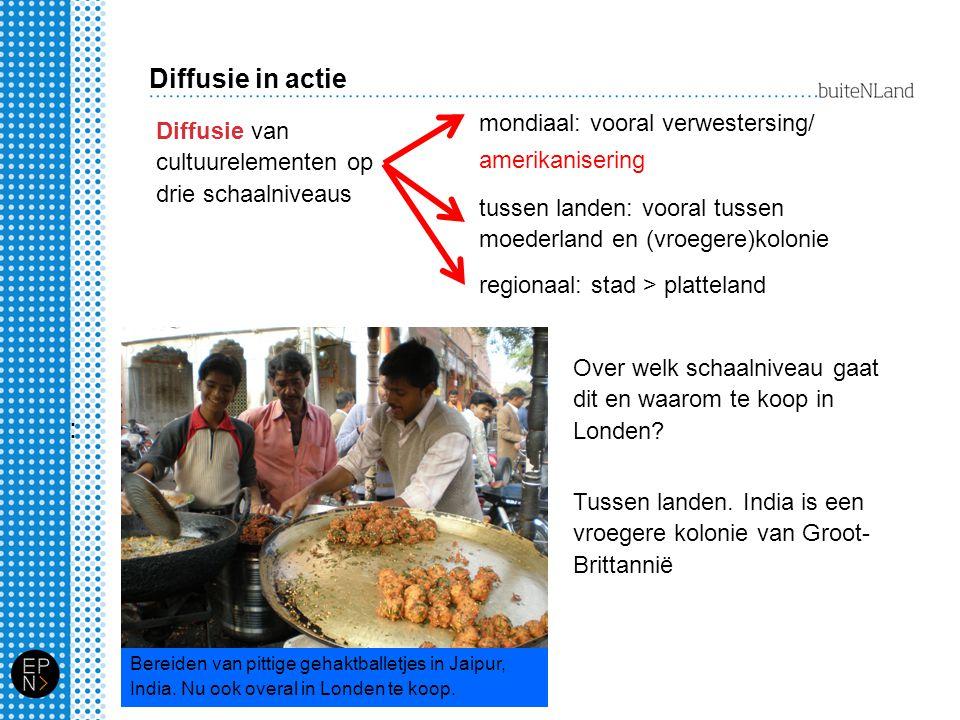 Amsterdam, multicultureel Geef voor de etnische minderheden A,B C en D aan waarom zij juist in Amsterdam wonen.
