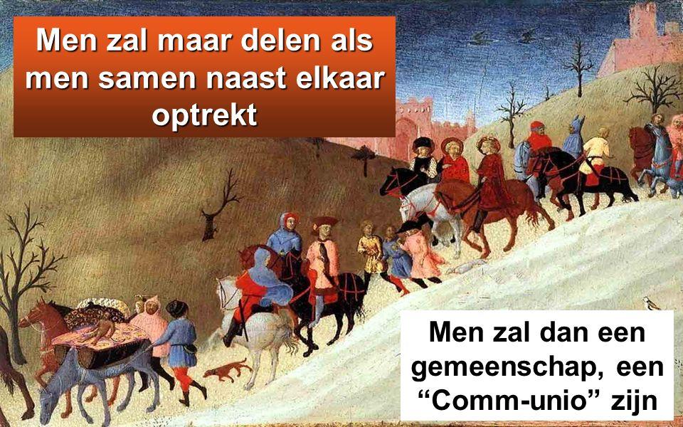 Jezus echter zei: 'Laat de mensen gaan zitten.' Er was daar namelijk veel gras. Zij gingen dan zitten; het aantal mannen bedroeg ongeveer vijfduizend.