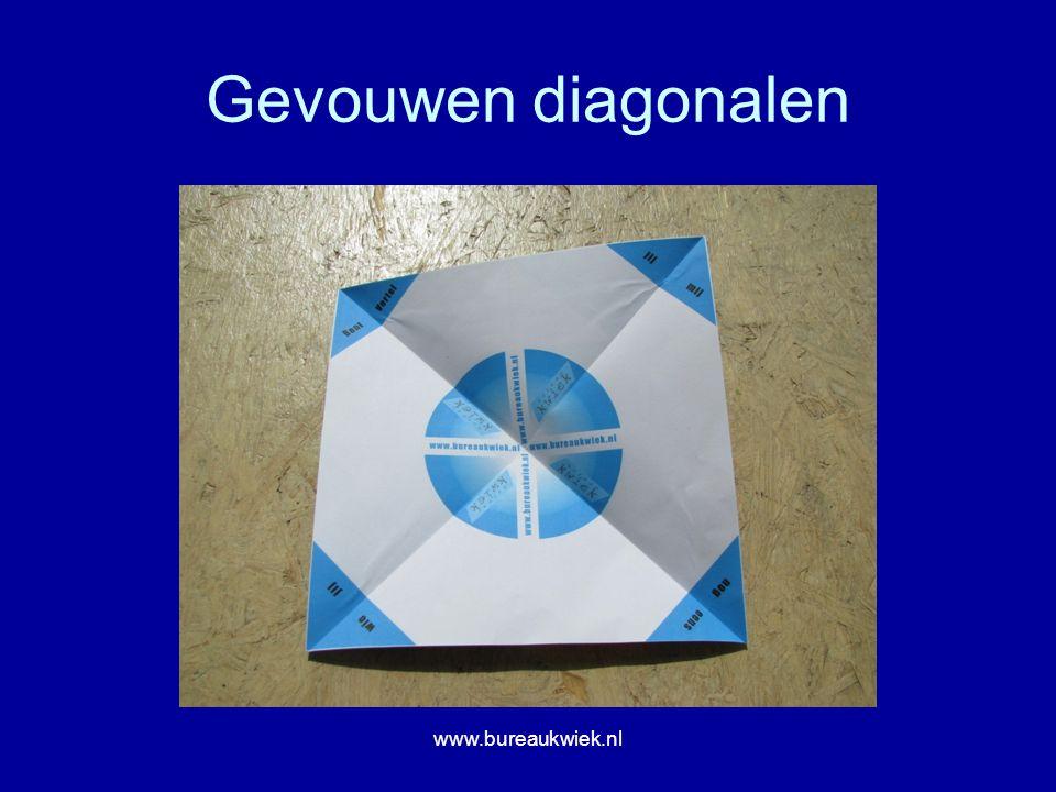 Gevouwen diagonalen www.bureaukwiek.nl