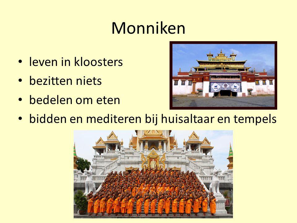 Monniken leven in kloosters bezitten niets bedelen om eten bidden en mediteren bij huisaltaar en tempels