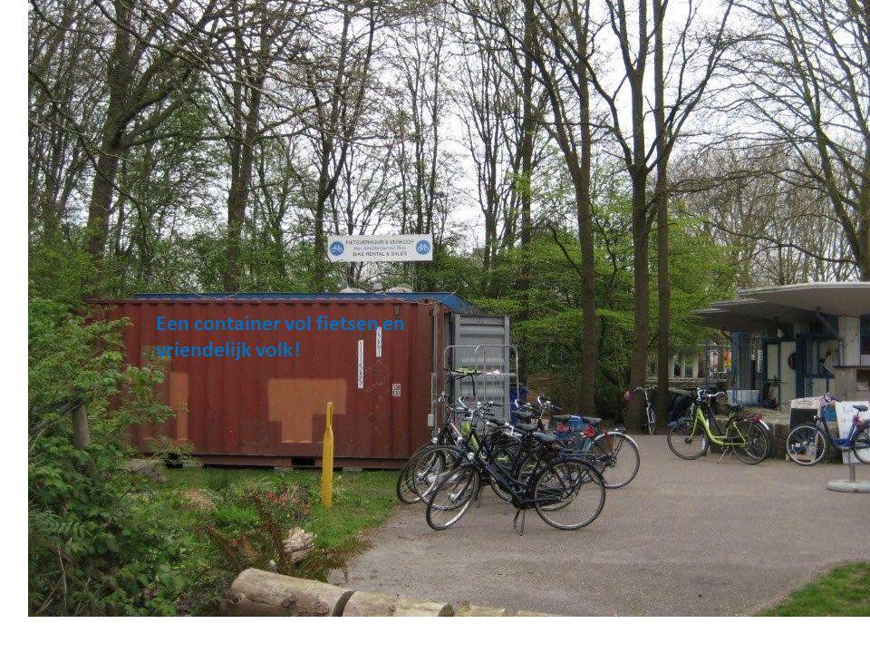 Een container vol fietsen en vriendelijk volk!