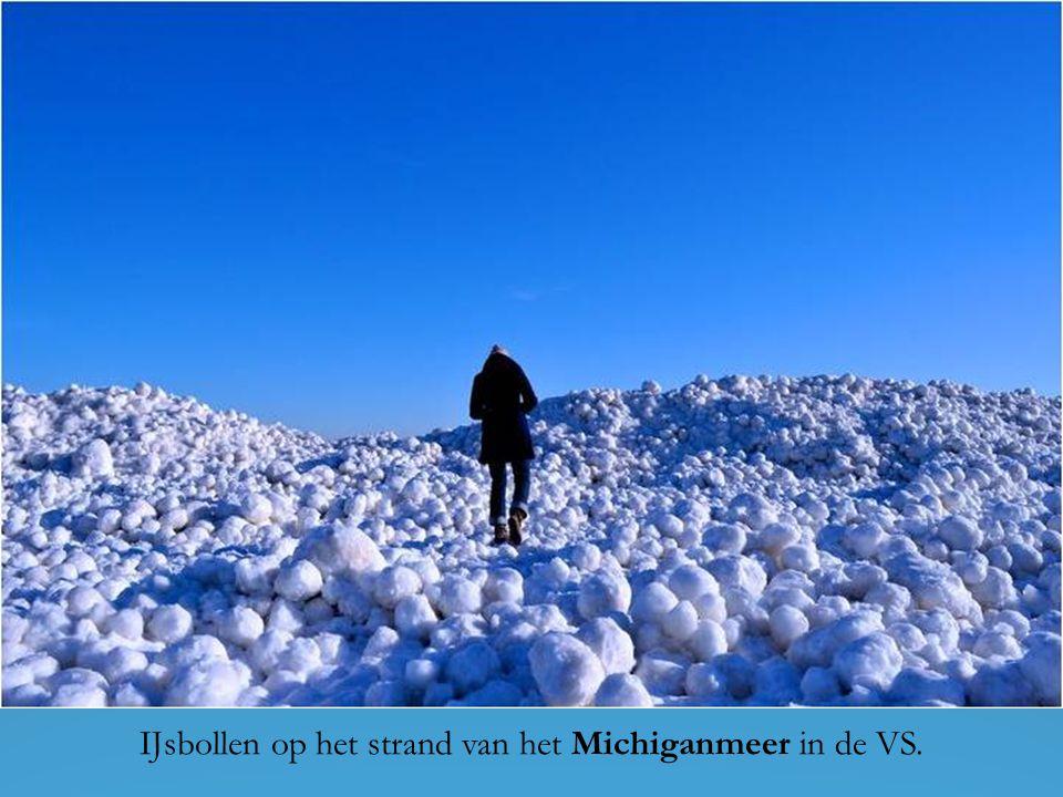 Volgens het Zweeds meteorologisch instituut SMHI gebeurt dit zeer zelden wanneer de zachte opeengehoopte sneeuw door de wind wordt voortgerold op het