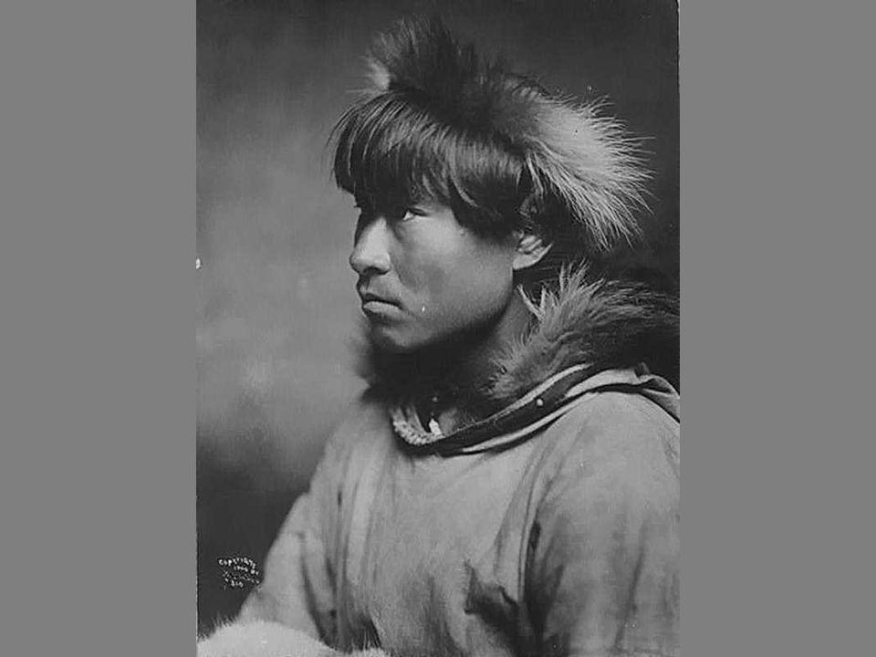 Les Inuits (autrefois nommés Esquimaux ou Eskimos), composent le peuple arctique habitant de petites enclaves des zones côtières du Groenland, de l'Amérique du Nord-Arctique (Alaska et Canada) et la Sibérie de l extrême nord-est.