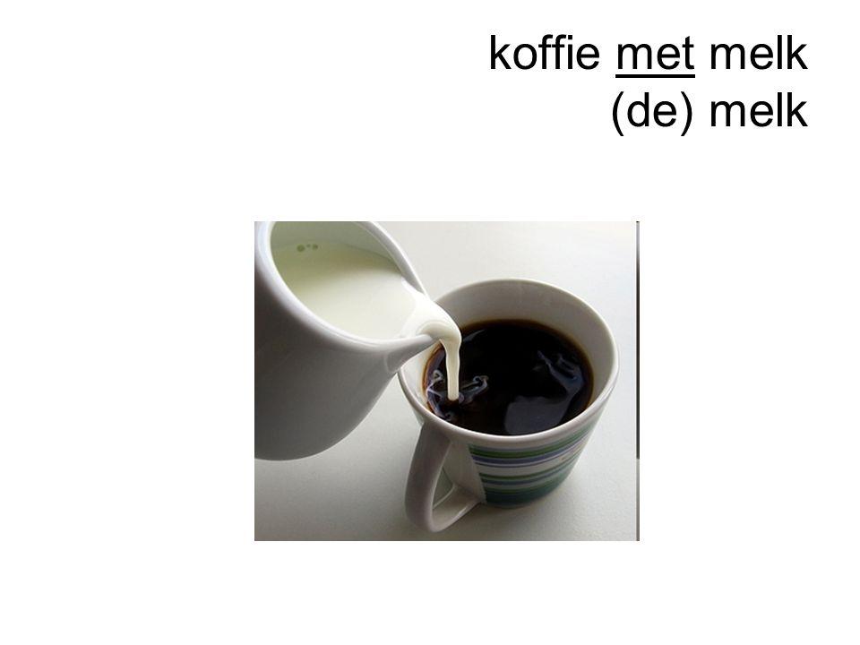 koffie met melk (de) melk