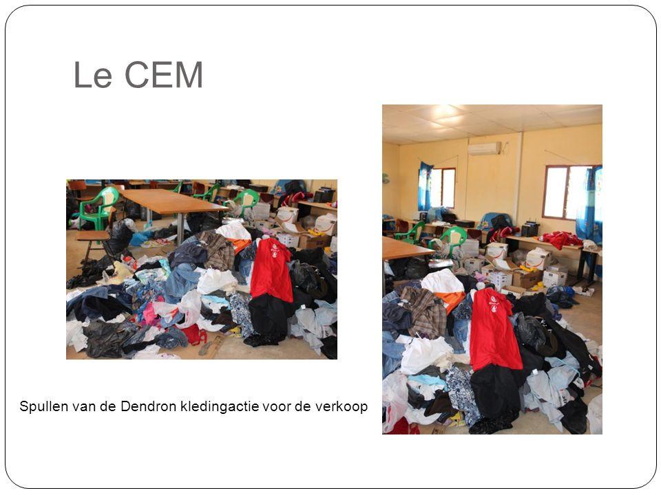 Le CEM Spullen van de Dendron kledingactie voor de verkoop