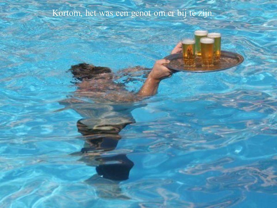Vooral ook vanwege de voortreffelijke bediening aan de waterkant. We hebben daardoor veel te veel gedronken. Kortom, het was een genot om er bij te zi