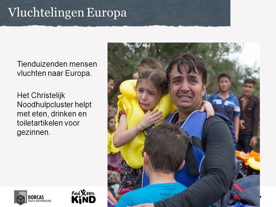 Tienduizenden mensen vluchten naar Europa. Het Christelijk Noodhulpcluster helpt met eten, drinken en toiletartikelen voor gezinnen. Vluchtelingen Eur