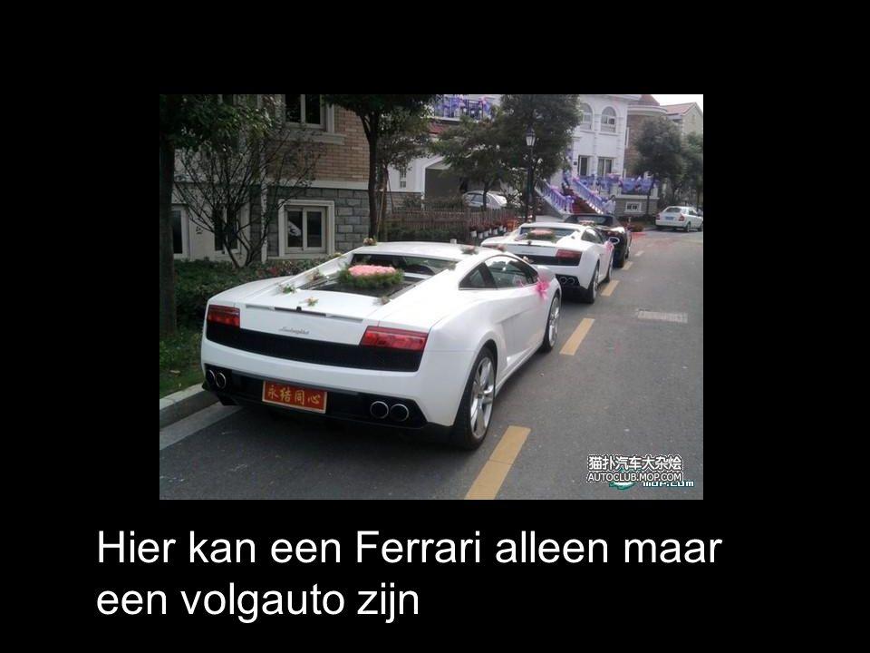 Hier kan een Ferrari alleen maar een volgauto zijn