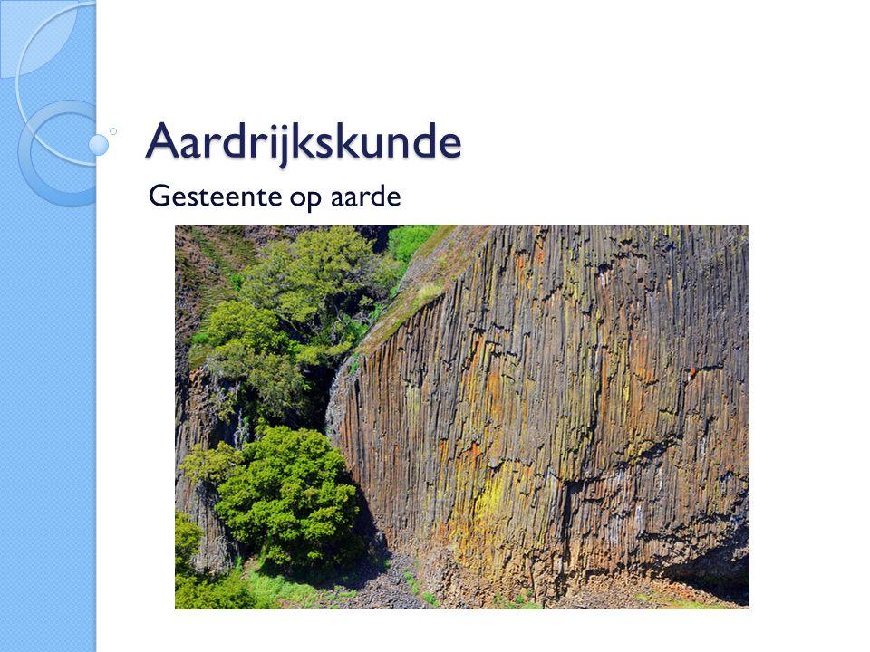 3 Hoofdgroepen Stollingsgesteente Sedimentgesteente Metamorf gesteente