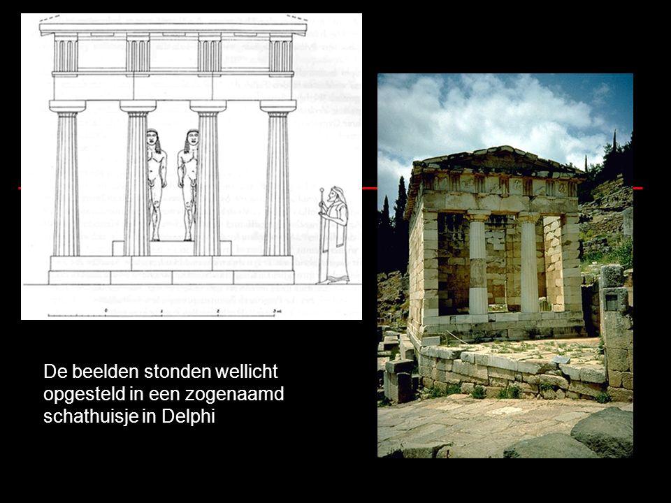 De beelden stonden wellicht opgesteld in een zogenaamd schathuisje in Delphi