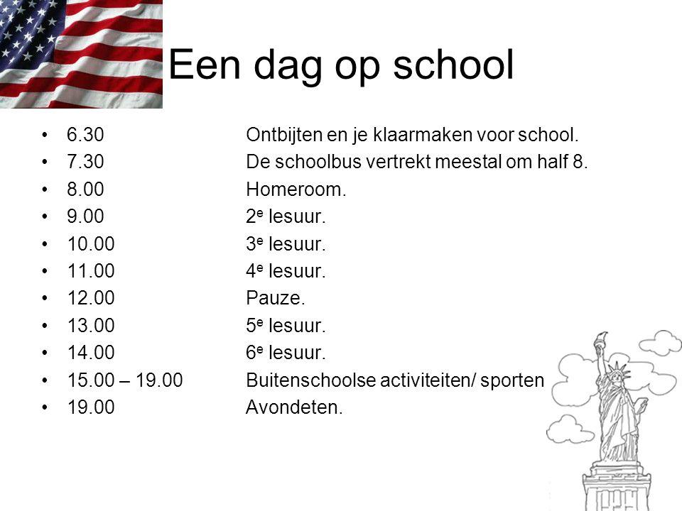 Een dag op school 6.30Ontbijten en je klaarmaken voor school. 7.30De schoolbus vertrekt meestal om half 8. 8.00Homeroom. 9.002 e lesuur. 10.003 e lesu