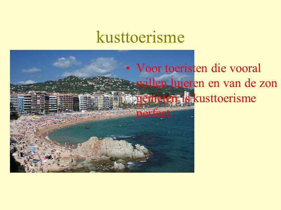 Er zijn 5 soorten toerisme Kusttoerisme (k) Bergtoerisme (b) Natuurtoerisme (n) Cultuurtoerisme (c) pretparktoerisme(p)
