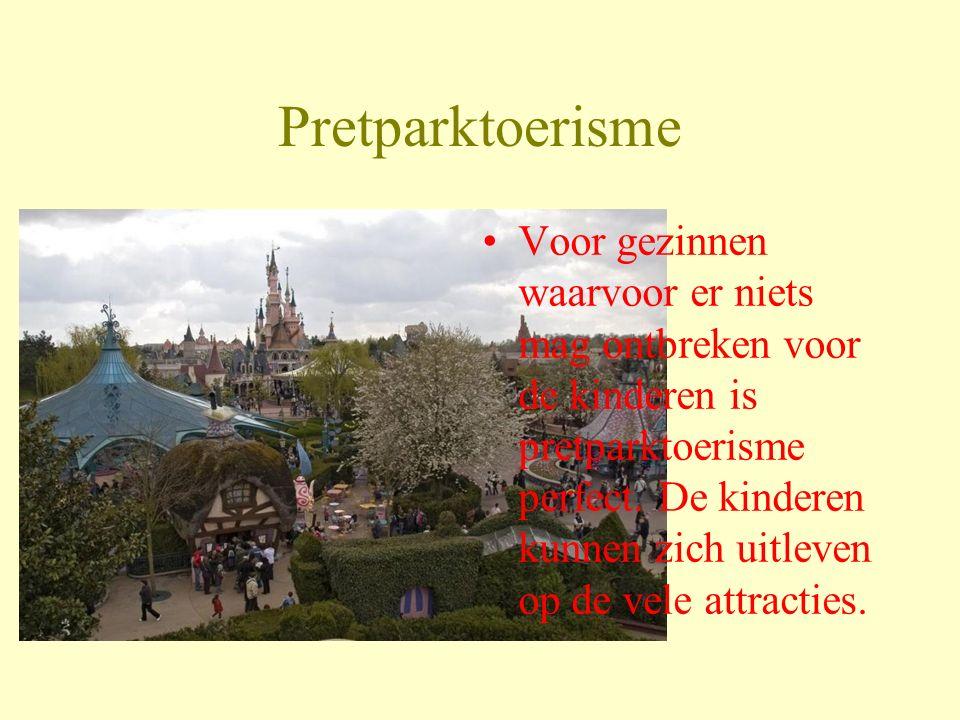 Cultuurtoerisme Koppels die een romantische weekendje willen in een stad waar vooral veel te bezichtigen is kunnen zich vermaken met cultuurtoerisme.